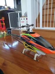 Thunder Tiger E700 (700 size RC Helicopter)